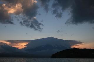 11月17日夕方の湖畔から.jpg