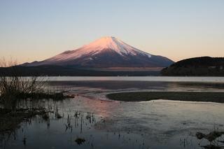 12月14日早朝の湖畔から1.jpg