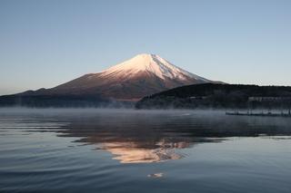 12月1日早朝の湖畔から1.jpg