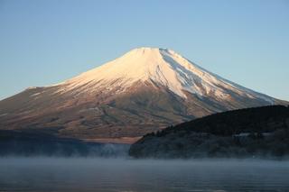 12月1日早朝の湖畔から2.jpg