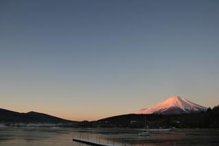 12月31日早朝の湖畔から1.jpg