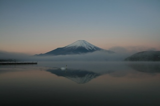 12月3日早朝の湖畔から2.jpg