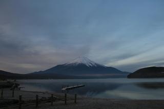 12月6日早朝の湖畔から.jpg