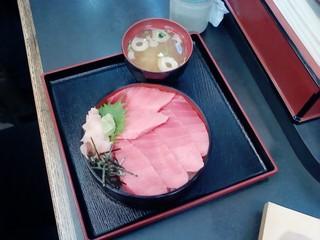 1月12日区会にて焼津魚センター2.jpg