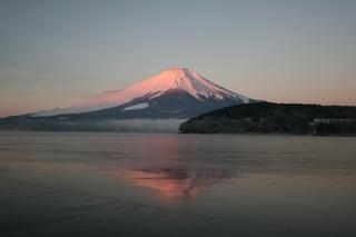 1月16日早朝の湖畔から.jpg