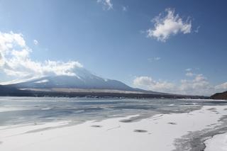 2月4日長池からの湖と.jpg