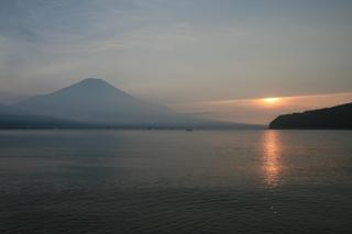 8月16日夕方の湖畔から.jpg
