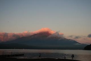 9月1日早朝の湖畔から.jpg