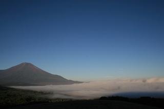 9月28日早朝の明神から雲海と.jpg