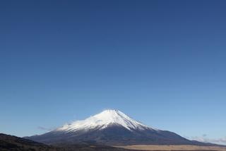 大空と富士山.jpg