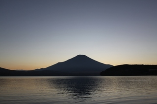 湖畔から.jpg